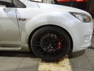 Ford_focus_st_356mm_6pot-6