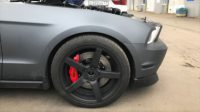 Ford Mustang. Тормоза HP-Brakes