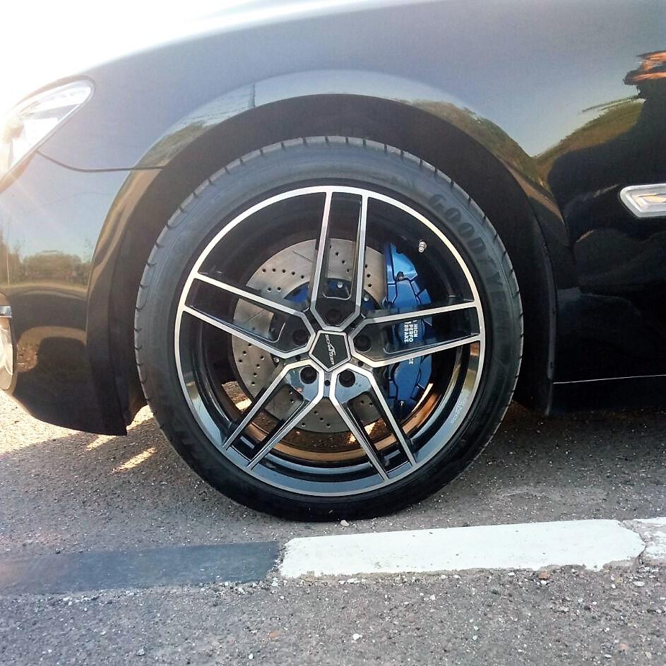тормоза на BMW 7-Series 750 Li. Ставим HP-Brakes.