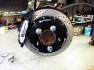 Решение проблем с тормозами Toyota Land Cruiser 200. Установка HP-Brakes