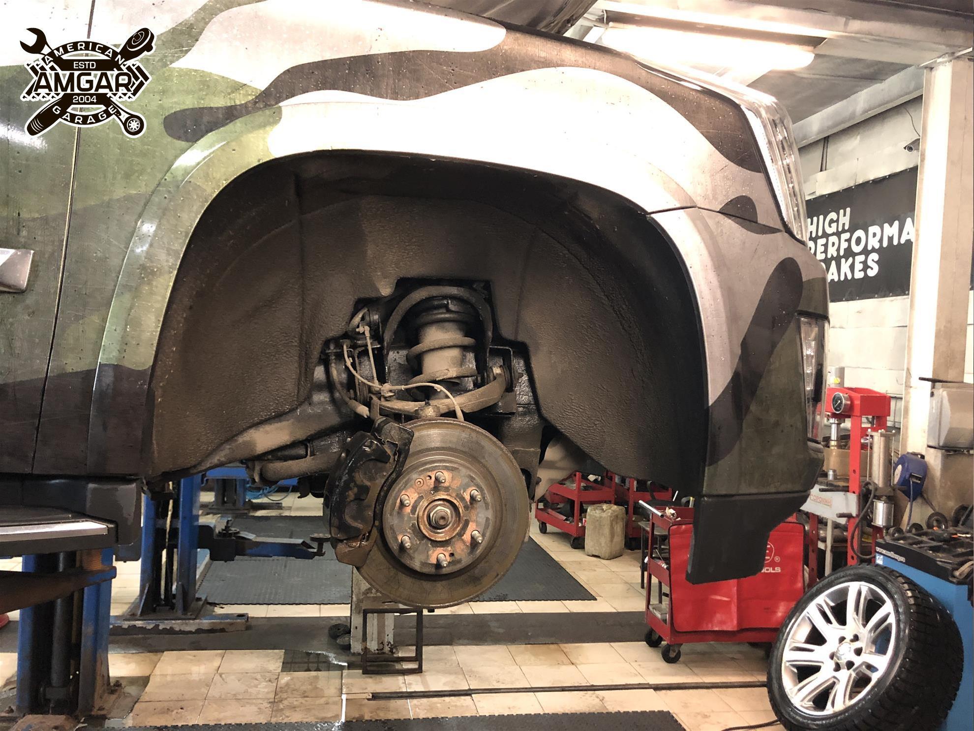 Cadillac Escalade установка тормозной системы (4)
