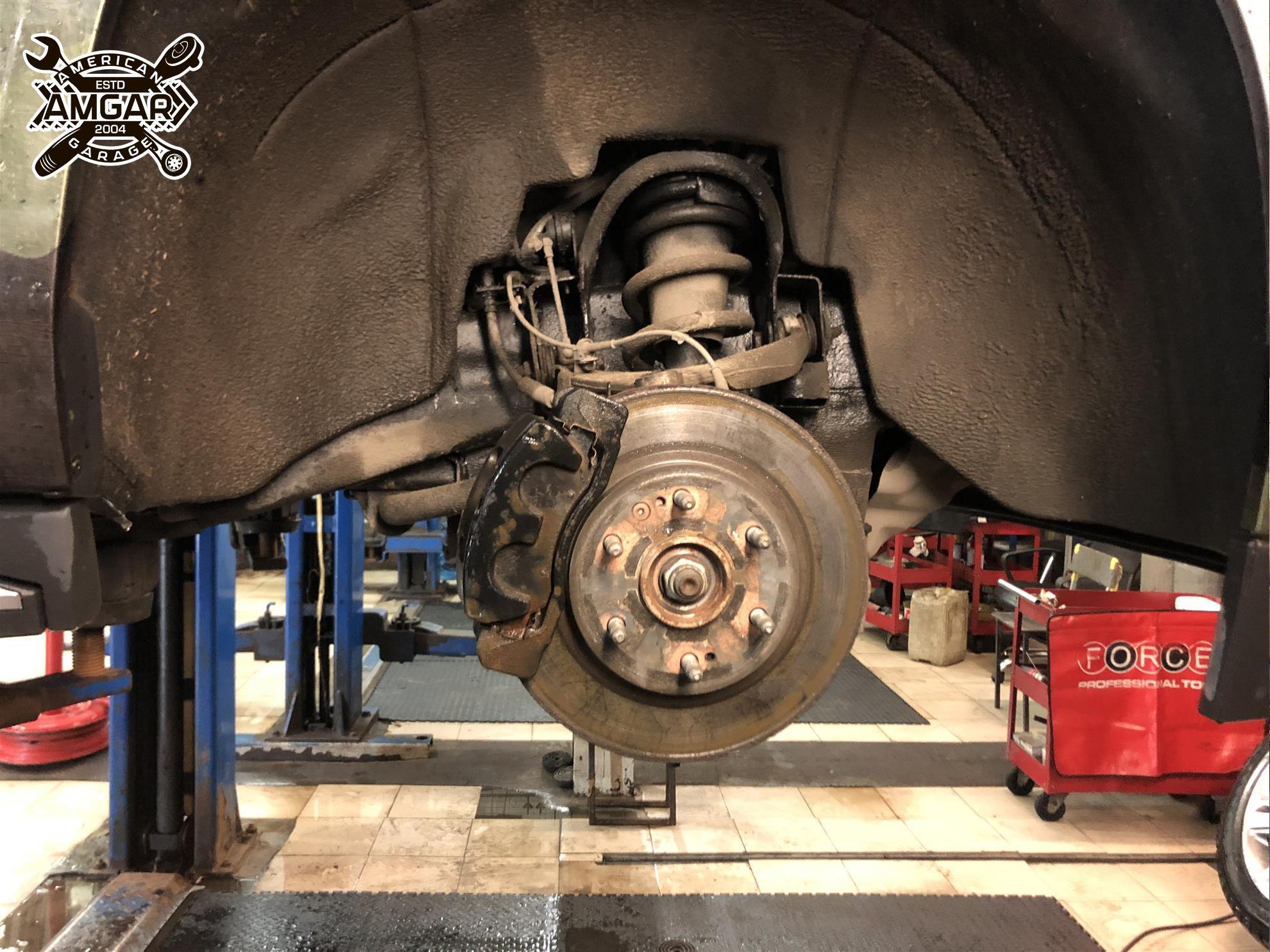 Cadillac Escalade установка тормозной системы (5)